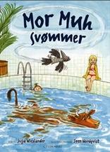 Mor Muh svømmer